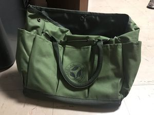 Wrisc dc all vets garden backpack with tools for Sale in Fort Washington, MD