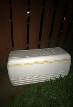 Cooler for beers or whatever you want for Sale in San Diego, CA