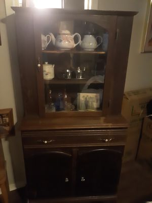 Antique China cabinet for Sale in Cedar Park, TX