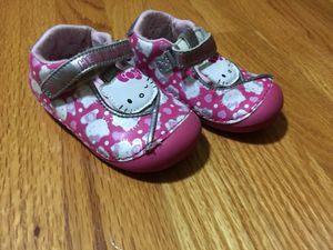 Girls stide rite shoes, pink hello kitty size 5 for Sale in Bedford Park, IL