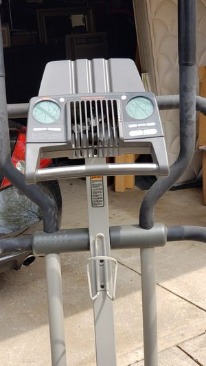 NICE ELLIPTICAL WORKS GREAT for Sale in Warrensville Heights, OH