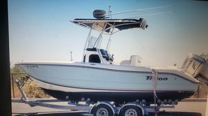 Triton center console sell or partial trade 2012 24 ft for Sale in Avondale, AZ