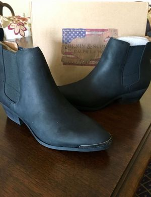 NEW Ralph Lauren Women's Boots 7.5 for Sale in Alexandria, VA