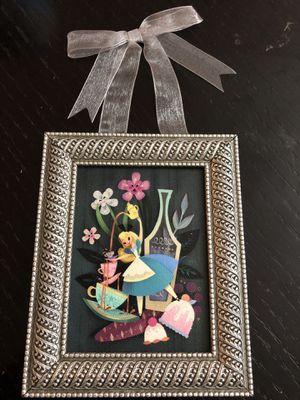 NWT Disney Parks Flower and Garden Festival Alice in Wonderland Mini Frame for Sale in Miami, FL