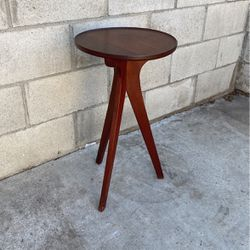 Accent Table Side Table for Sale in Whittier,  CA