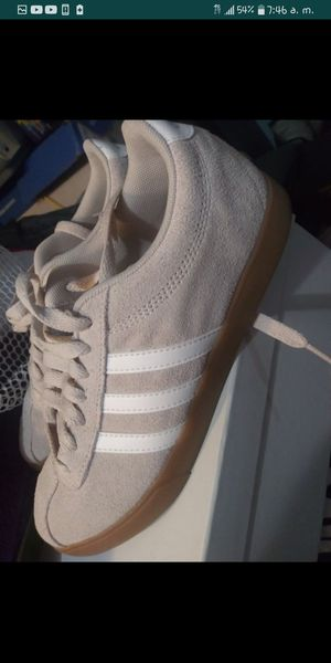 Adidas size 6 really like new for Sale in Miami, FL