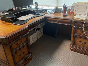 Aspen Home Napa Collection L Shaped Desk for Sale in San Juan Capistrano,  CA