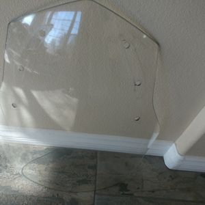 BMW Windshield 4663-7 685 016 for Sale in Las Vegas, NV