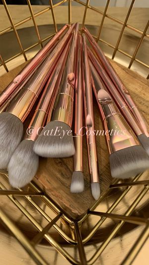 Beauty cosmetic makeup Brush set $20.00 free bag for Sale in Whittier, CA