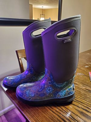 Women's winter boots for Sale in Sioux City, IA