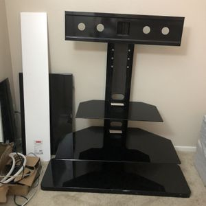 Black TV Stand (Glass) for Sale in Oceanside, CA