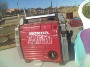 $320 generator works has gas low hours for Sale in Hesperia, CA