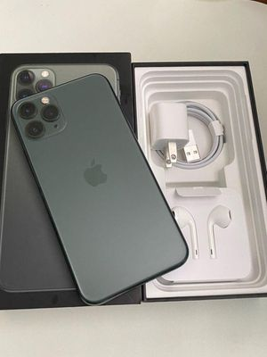 iPhone 11 pro max unlocked for Sale in Atwater, CA