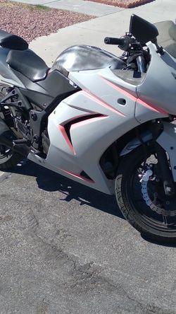 08 Kawasaki Ninja 250R for Sale in Las Vegas,  NV