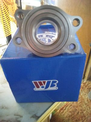 00 to 04 Outback rear wheel bearing hub assembly's for Sale in Corinth, ME