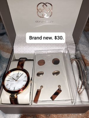 Women's Daisy Fuentes watch, bracelets, and earrings for Sale in Hermon, ME