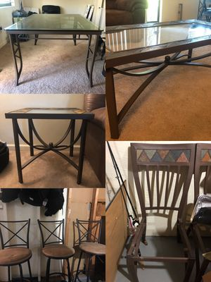 Matching table set and chairs. Need gone ASAP for Sale in Trenton, MI