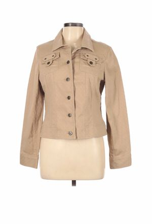 Bandolino tan jacket size L Gently used for Sale in French Creek, WV