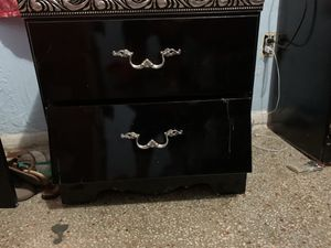 free must pick up by friday for Sale in Hialeah, FL