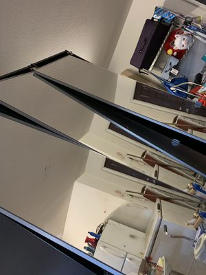 closet organizer with mirrors for Sale in Fontana, CA