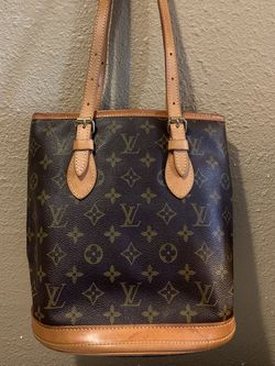 AUTHENTIC LOUIS VUITTON MONOGRAM BROWN BUCKET MM PURSE SHOULDER BAG TOTE HANDBAG $599 OR BEST OFFER NO TRADES for Sale in Fountain Valley,  CA