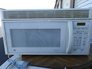 GE upper microwave with fan for stove for Sale in Las Vegas, NV
