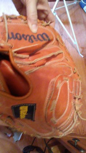 Youth catcher glove for Sale in Dixon, MO