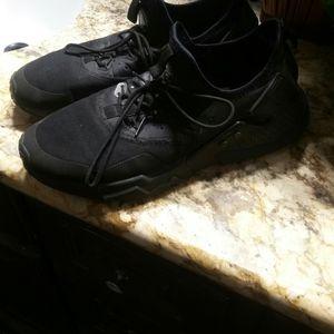 Men's Nikes in good conditions size 10.5 for Sale in San Bernardino, CA