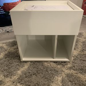 White Nightstand/End Table With Drawer for Sale in Santa Ana, CA