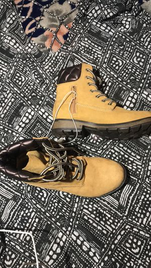 Stevies Girls Faux Leather Lace Up Ankle Boots 3 for Sale in Sterling Heights, MI