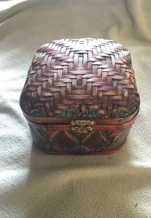 Vintage jewelry box for Sale in OLD ORCHD BCH, ME