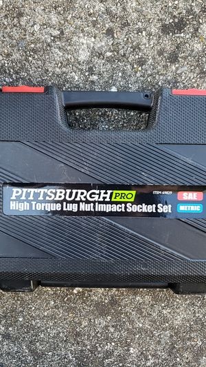 Pittsburg Pro high torque lug nut impact socket set for Sale in Hayward, CA