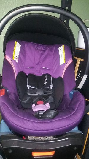 Cybex infant car seat with base for Sale in Los Angeles, CA