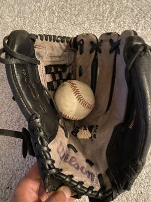 Youth baseball ⚾️ softball 🥎 glove $15 $$$ 12 1/2 inch for Sale in Chino, CA