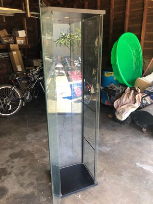 Glass display case for Sale in Temple City, CA
