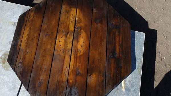 Free 52 inch octagon pallets.