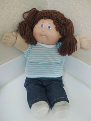 "CABBAGE PATCH KIDS 16"" DOLL - Brown Hair 1 Tooth - 1983 for Sale in Las Vegas, NV"