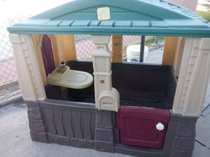 Step 2 playhouse for Sale in Bloomington, CA