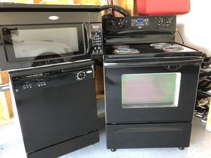 Whirlpool Electric Appliance Set for Sale in Arnold, MO