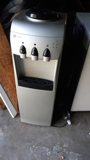 Water dispenser for Sale in Glendale, CA