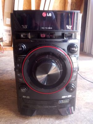 Lg radio. Bluetooth. Mp3. Two usb ports. Cd for Sale in Rock Hill, SC