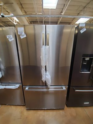 Bosch French Door Refrigerator Counter Depth for Sale in Covina, CA