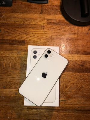 iPhone 11 64Gb Unlocked for Sale in Roseville, CA