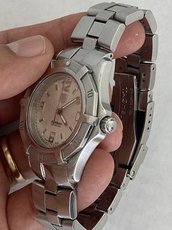 Tag Heuer Swiss made Automatic movement. Brushed stainless steel case, sapphire crystal 39.Box and paperwork. for Sale in Miami,  FL