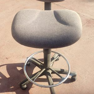 Chair for Sale in Burbank, CA