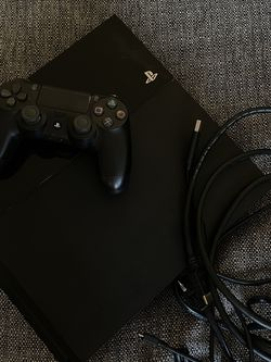 PlayStation 4 500gb - Black for Sale in Beverly Hills,  CA
