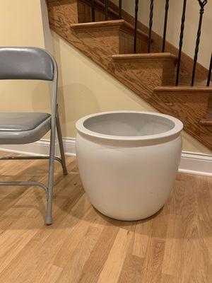 Big ceramic indoor plant pot 🌱 for Sale in Hoffman Estates, IL