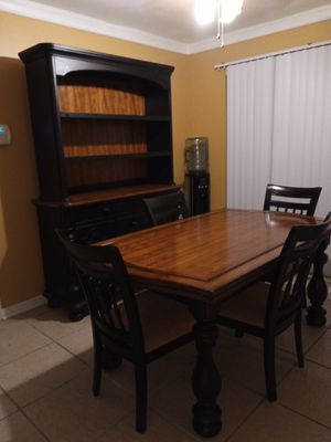 Gently used Kitchen/Dinning set for Sale in Tampa, FL
