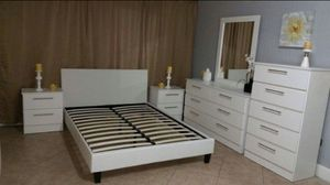 QUEEN BEDROOM SET- JUEGO DE CUARTO QUEEN for Sale in Miami, FL