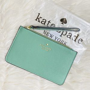 🎀 New Kate Spade Wristlet / SHIPPING AVAILABLE for $3 for Sale in Woods Cross, UT